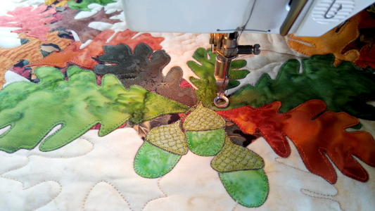 applique with leaves and acorns by Ruth Blanchet