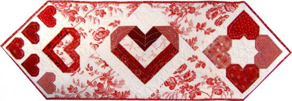 folded ribbon heart onpoint runner