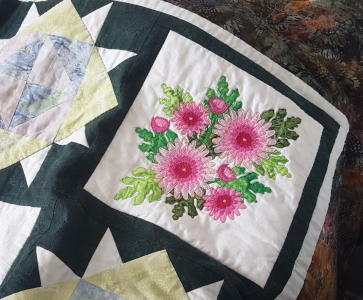 Chrysanthemum block in quilt